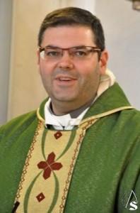 Párroco y Director Espiritual, Fray Florencio Fernández
